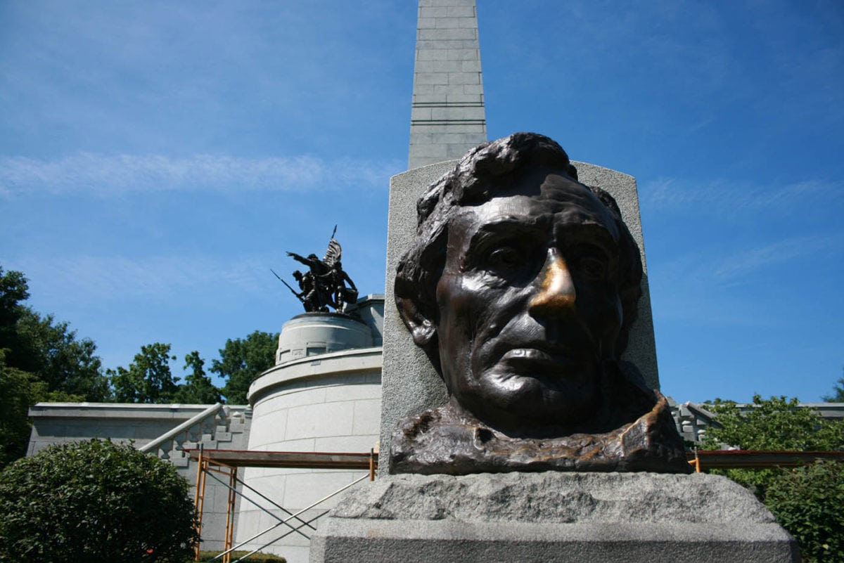 👃 Abraham Lincoln's Lucky Nose in Springfield, Illinois