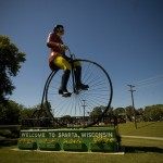 worlds-largest-bicyclist-1