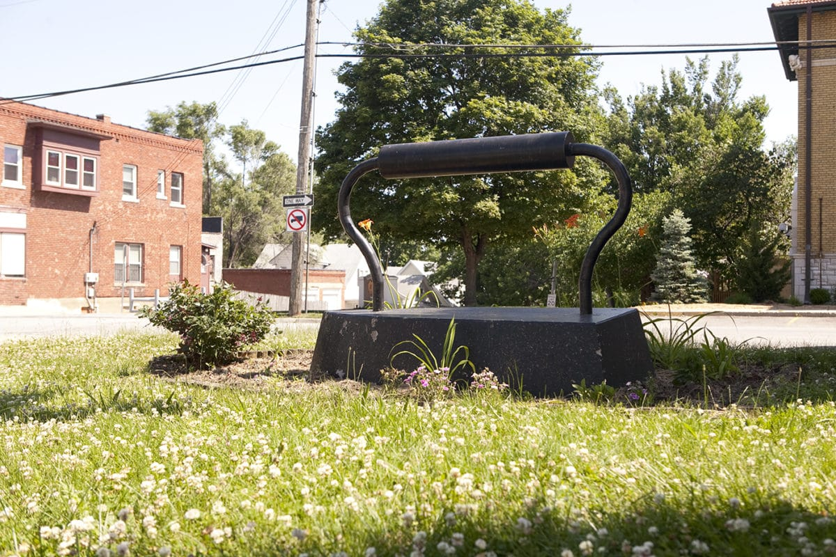 Large Old-Fashioned Iron Sculpture in Kansas City, Kansas