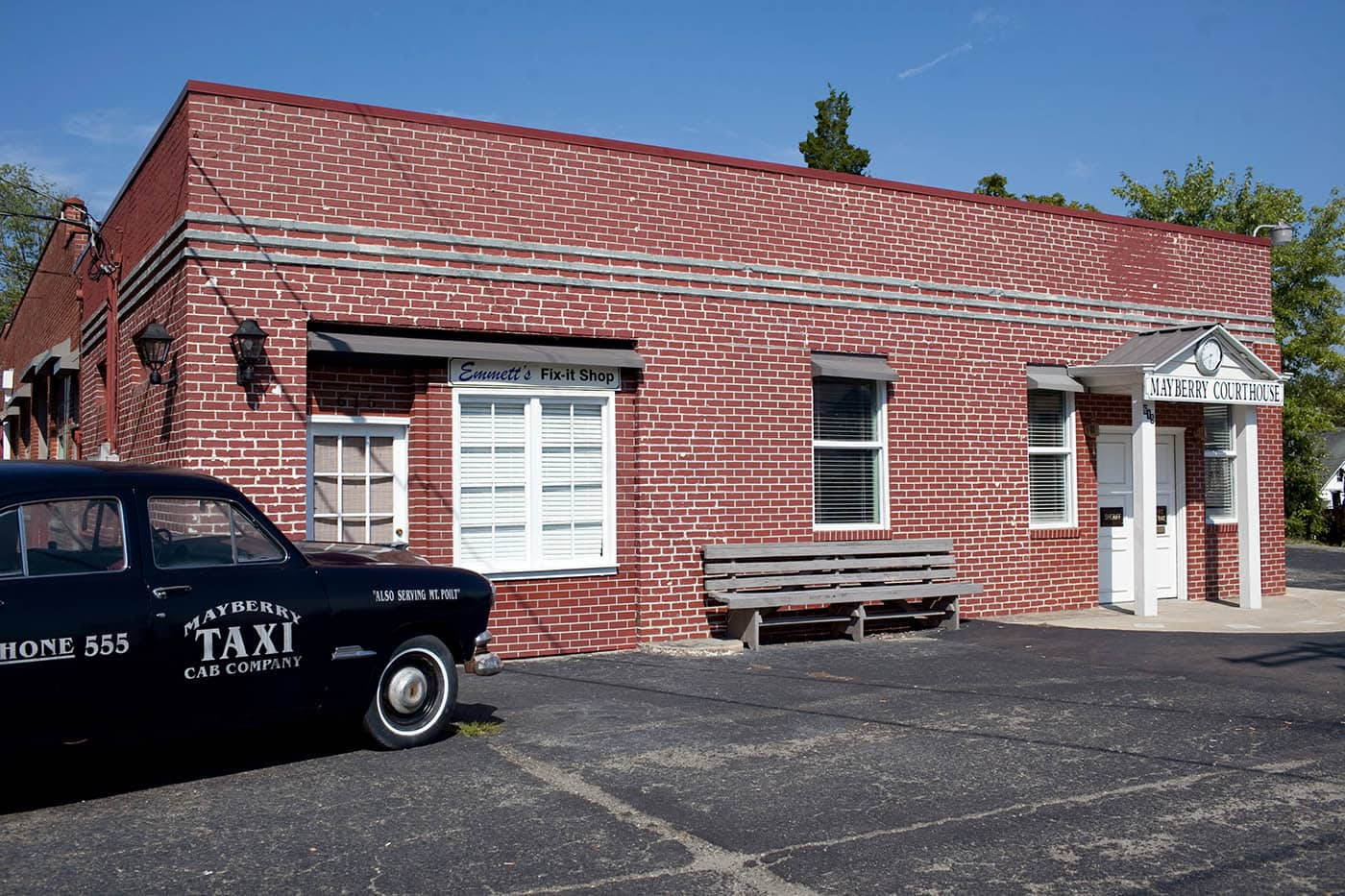 Courthouse in Mount Airy, North Carolina - Home of Mayberry and Andy Griffith